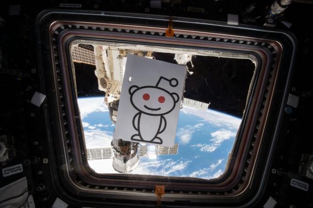 Астронавт Скотт Келли провел первый в истории NASA Reddit Ask Me Anything из космоса