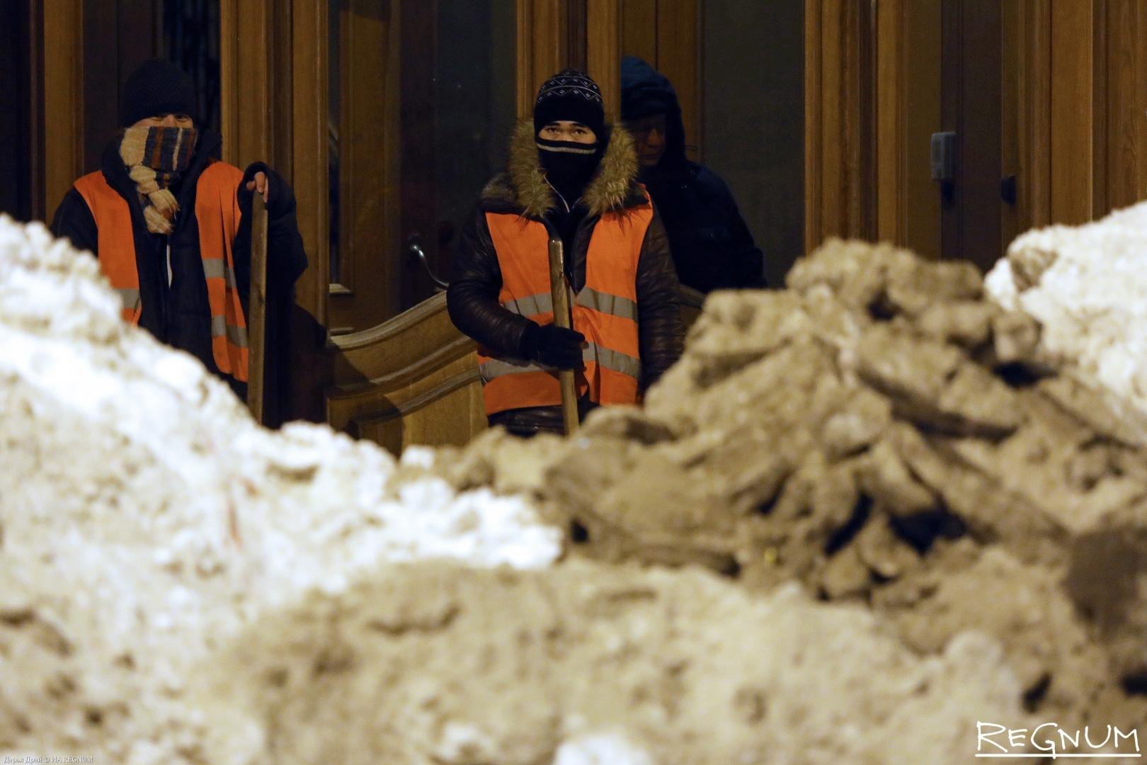 Ночная уборка в центре Петербурга, 06.02.19