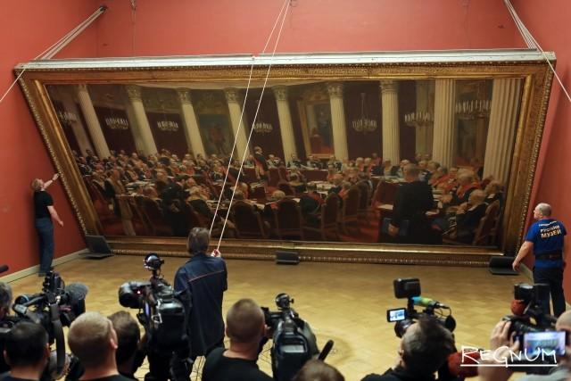 Демонтаж картины И. Репина «Торжественное заседание Государственного совета 7 мая 1901 года, в день столетнего юбилея со дня его учреждения»