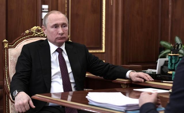 «Команда сейчас неплохо выступает»: Путин отметил новосибирский ХК «Сибирь»