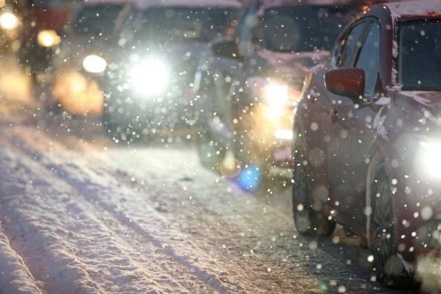 Водителей в Москве просят пересесть на общественный транспорт 12-13 февраля