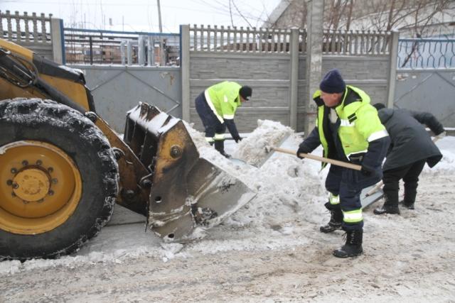 Калугу накрыло снегопадом. Коммунальщики трудятся в усиленном режиме
