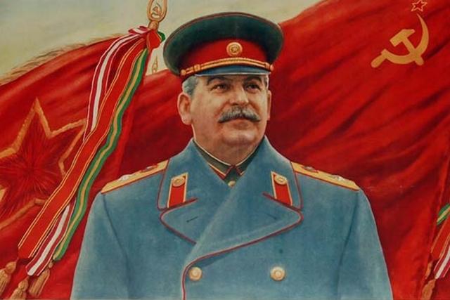 Белорусы добились упоминания Сталинграда на минской площади Победы