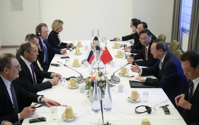Сергей Лавров встретился в Мюнхене с главой международного отдела ЦК КПК