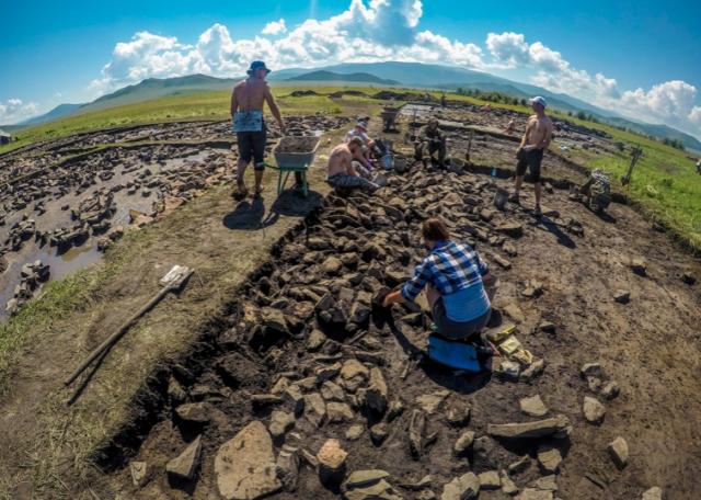 В Туве на скифском захоронении рассчитывают найти органику