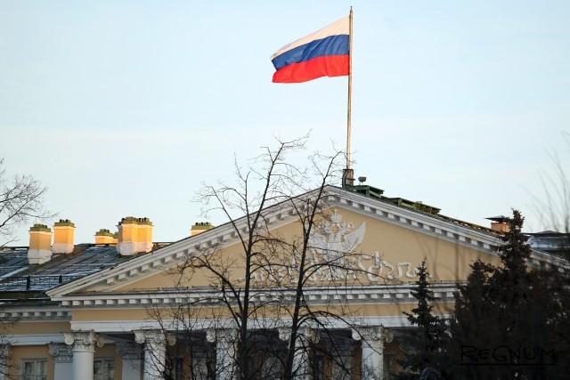 «Петербуржцев не напугать таким подлым способом»: Смольный о «минированиях»