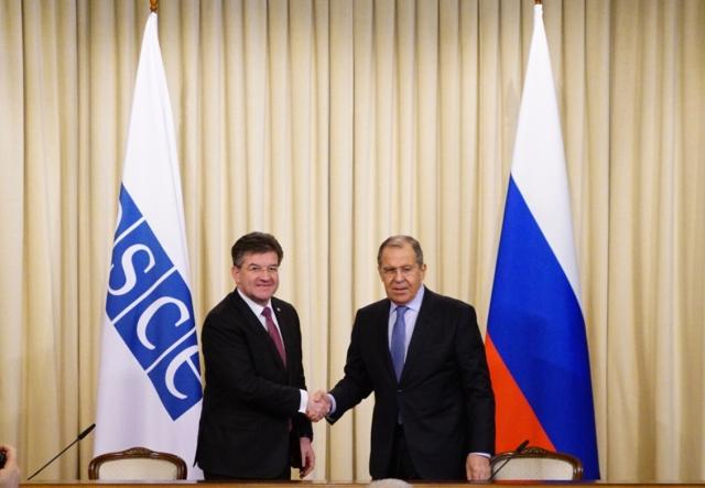 Решения по Карабаху стороны должны принимать на прямых переговорах: Лавров