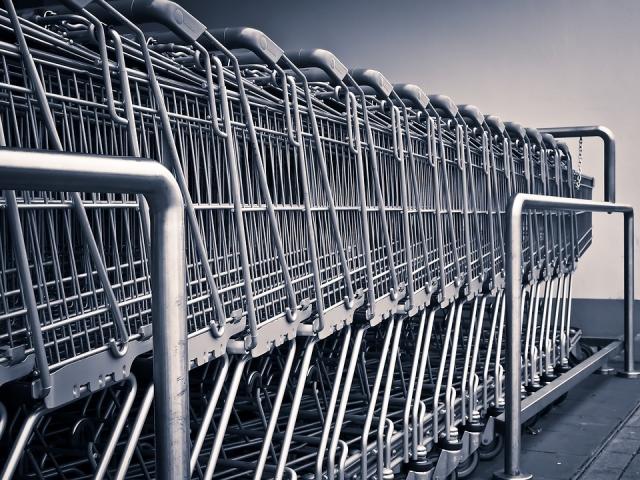 В предложении закрывать супермаркеты по выходным увидели лоббизм