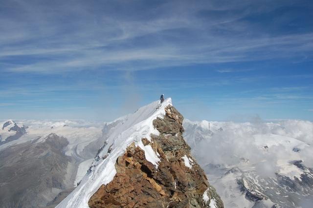 В Швейцарии нашли мертвыми двух альпинистов-иностранцев