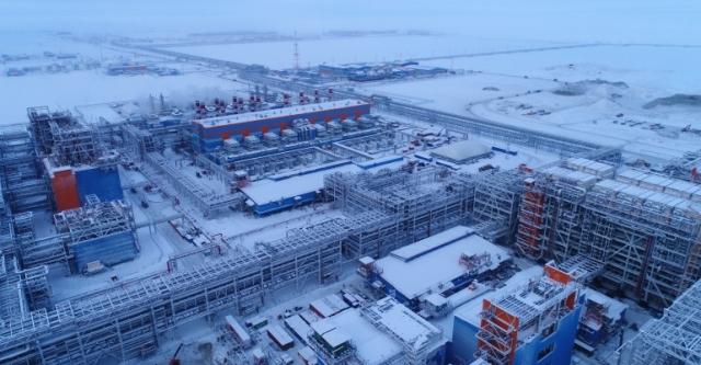Строительство завода сжиженного природного газа
