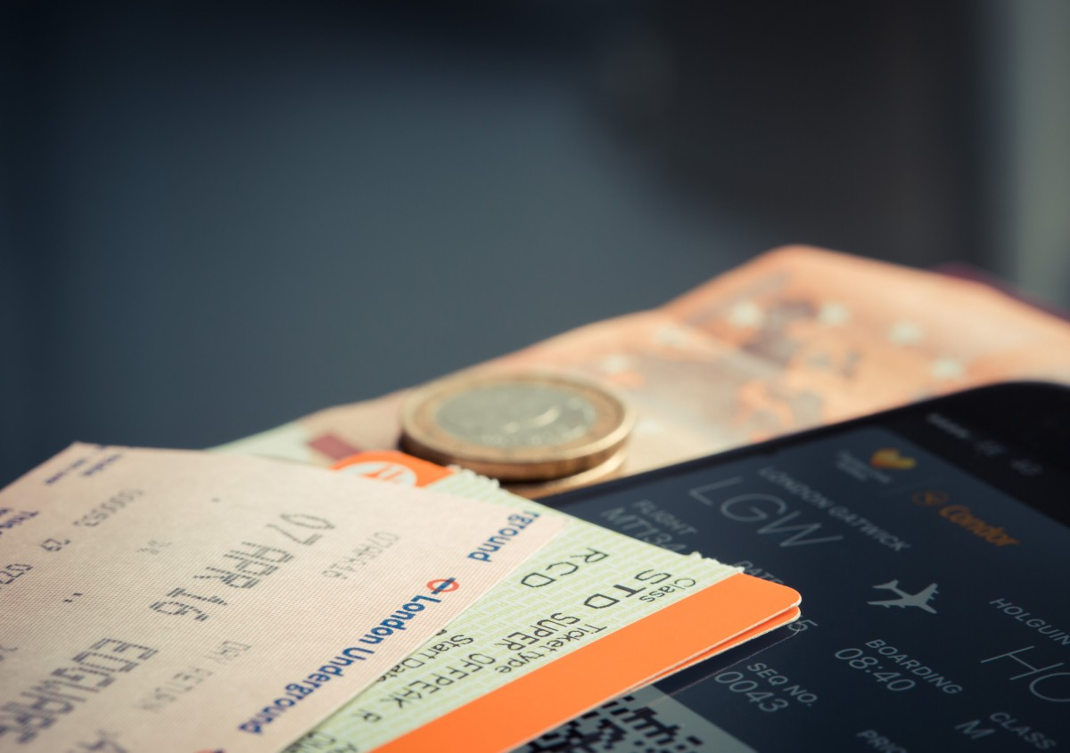 Почему так сильно подорожали билеты на самолет билет на самолет из красноярска в париж