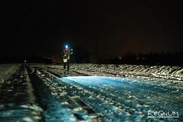Антон Головин на дистанции Valhalla Race 2 февраля. Примерно 20-й километр