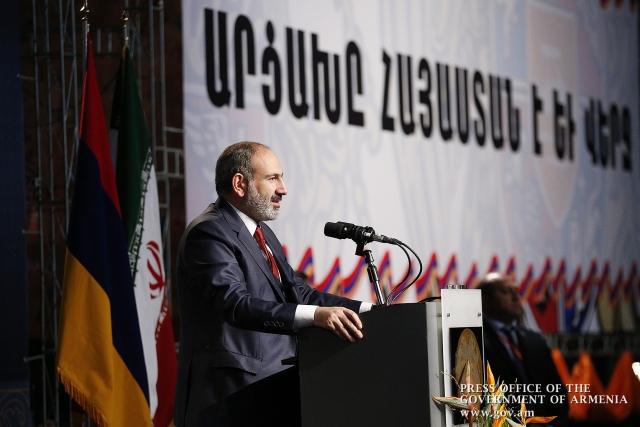 Пашинян заявил о предстоящей встрече с Алиевым «без повестки»