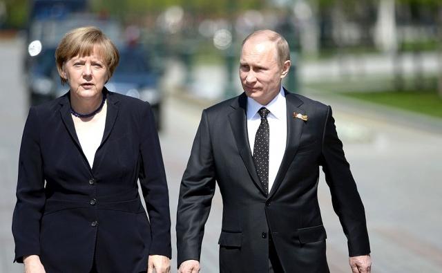 СМИ: Меркель отказалась провоцировать Россию в интересах США