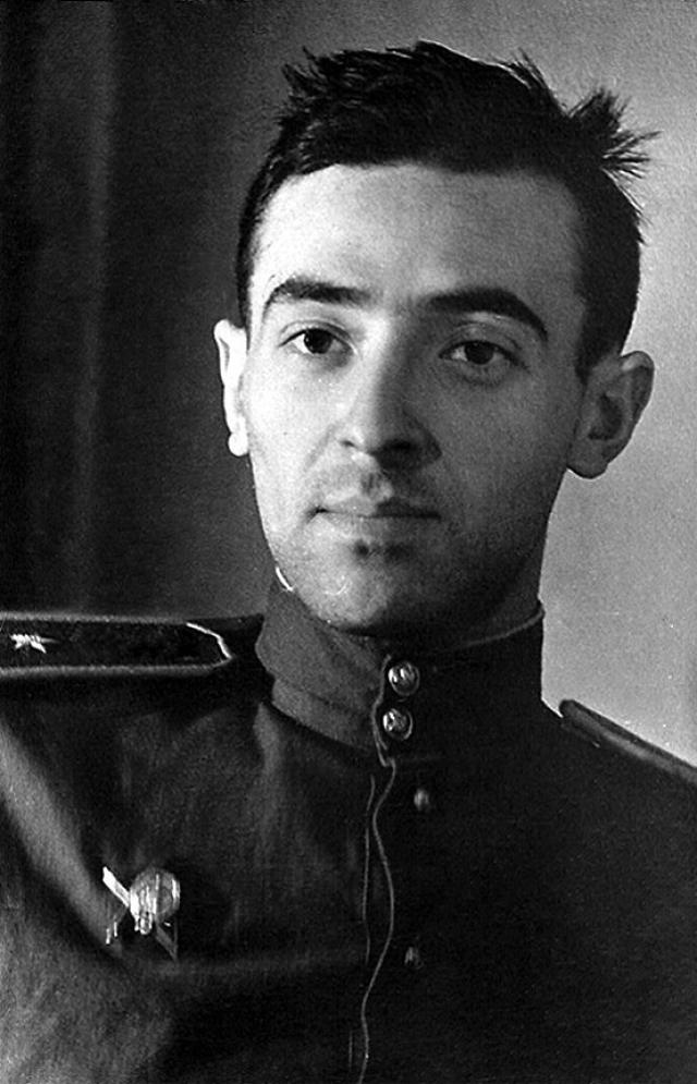 Владимир Этуш. 1943