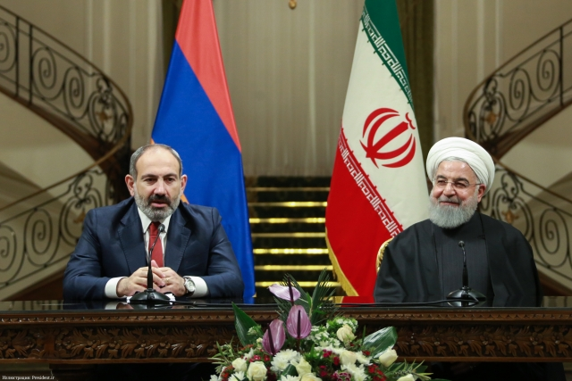 Никол Пашинян и Хасан Рухани на встрече в Иране