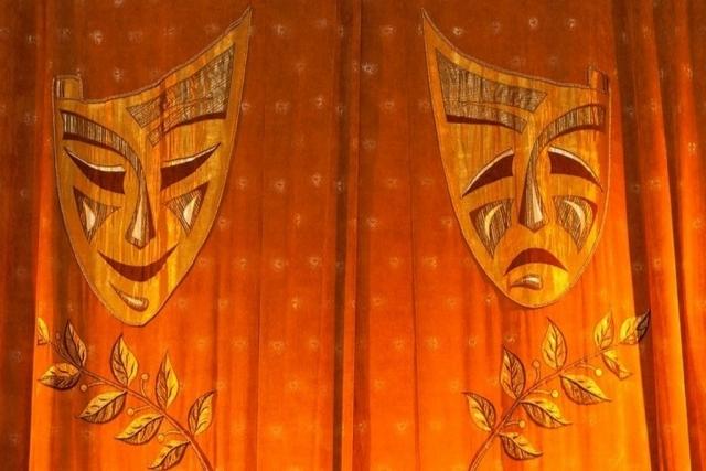 «Иллюзий не питайте»: куда Мединский «посылает» провинциальные театры