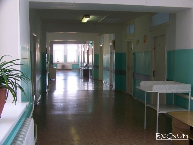 Больничный коридор в Топчихинской ЦРБ