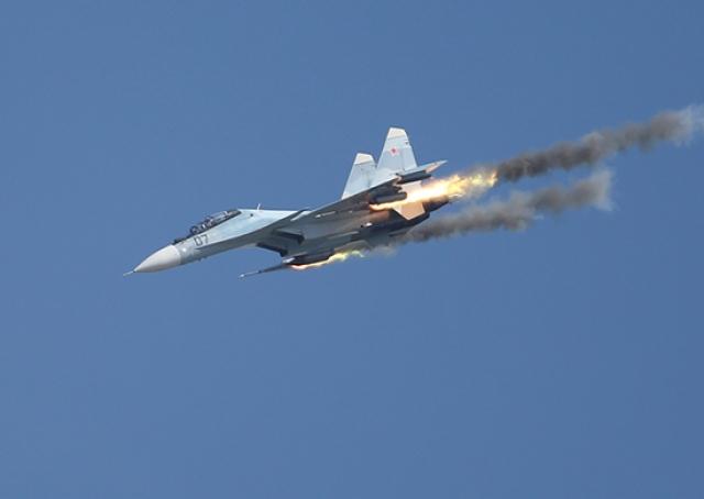 Авиация Балтфлота разыграла ночной бой над морем