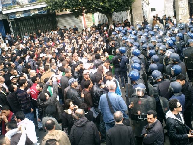 Протесты в Алжире. 2011