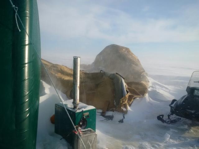 Ночёвка в ледовом лагере