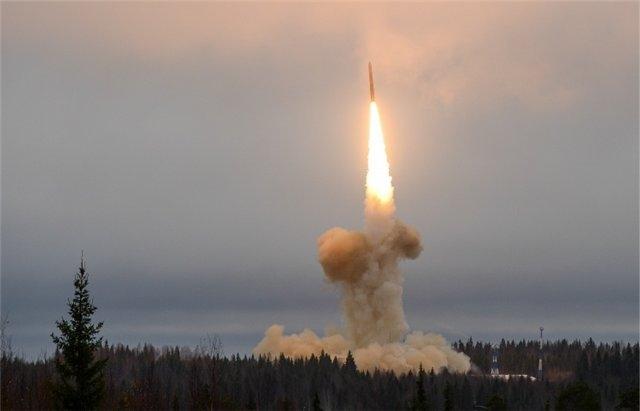Пуск баллистической ракеты РС-26 «Рубеж»