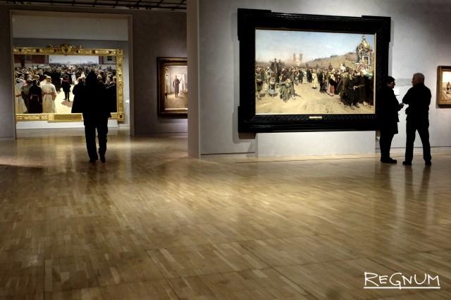 Посетители выставки «Илья Репин»