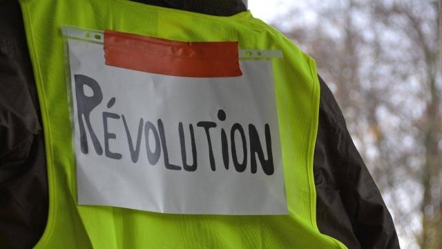 Во Франции акцию «желтых жилетов» поддержали свыше 32 тыс. человек