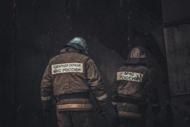 При ликвидации пожара в городе Зима погибли двое пожарных