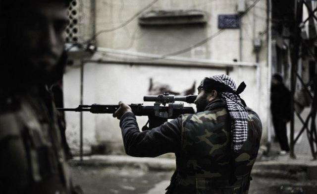 В Алеппо снайпер боевиков расстрелял школьный автобус с детьми