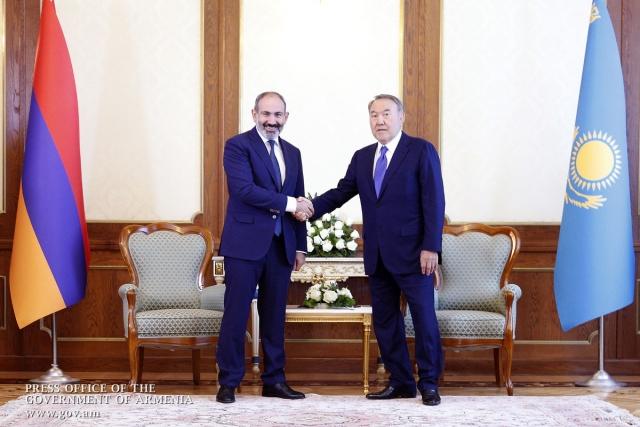 Никол Пашинян и Нурсултан Назарбаев