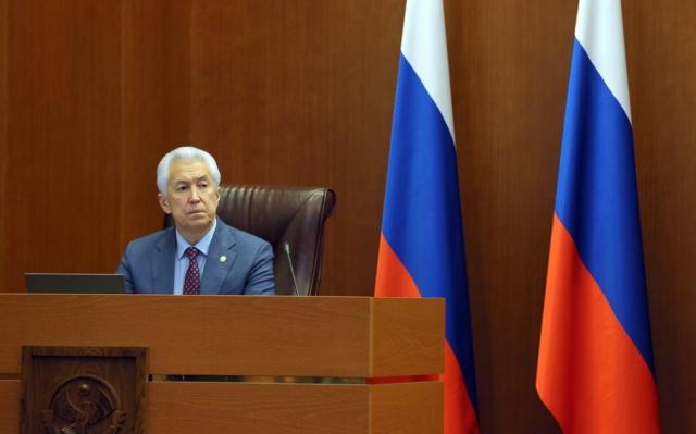 «Хвастовство и мелкотемье» – мнение о послании главы Дагестана