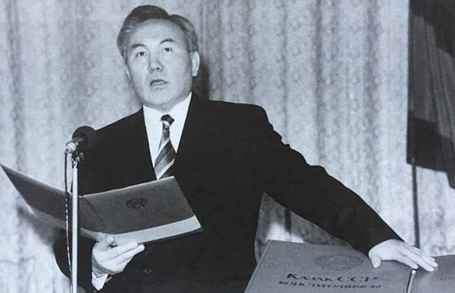 Присяга первого президента Казахстана. 1991