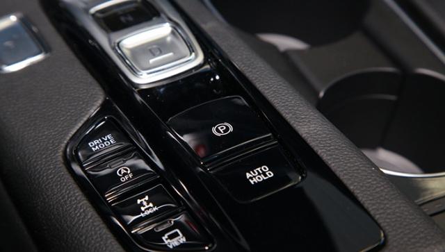 В Китае стартовали продажи кроссовера Santa Fe с кнопками вместо КПП