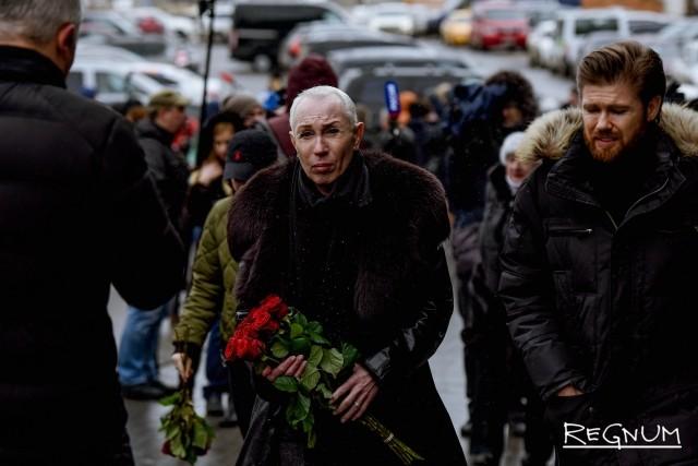 Александр Песков на церемонии прощания с Юлией Началовой