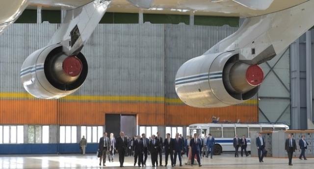 Правительство вводит ручное управление на авиазаводе в Ульяновске