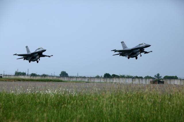 США готовы продать на Тайвань крупную партию истребителей F-16