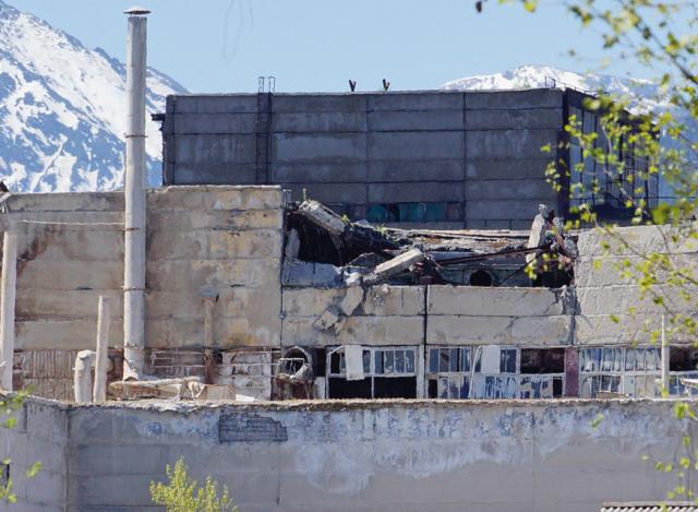 Рухнули стены и крыша сушильного цеха БЦБК