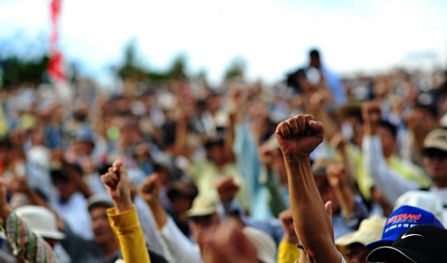 «Мы близки к победе!» — на улицах Алжира снова многотысячные протесты