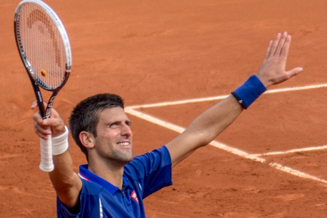 Джокович прошел в третий круг теннисного турнира в Майами