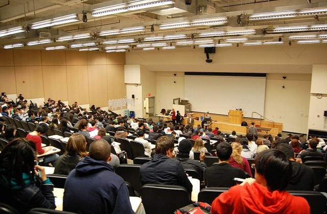 Американские студенты на лекции