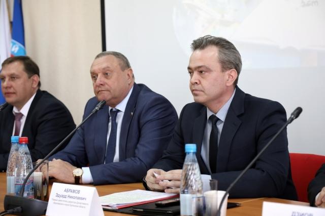 Эдуард Абрамов