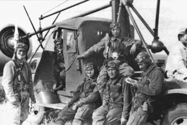 Японские лётчики между боями