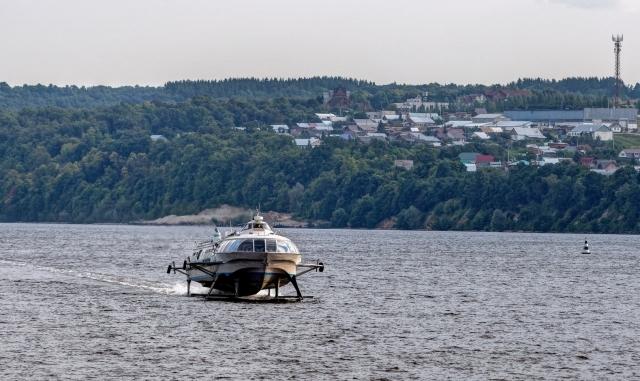 Катер на подводных крыльях. Волга