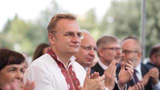 Мэр Львова призвал перед голосованием на выборах посоветоваться с детьми
