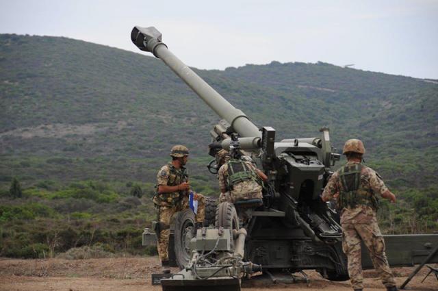 Итальянские артиллеристы во время учений