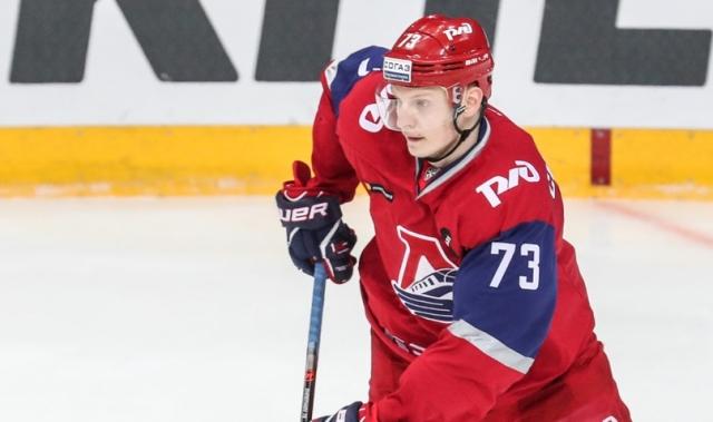 Ярославский «Локомотив» продлил контракты с тремя хоккеистами