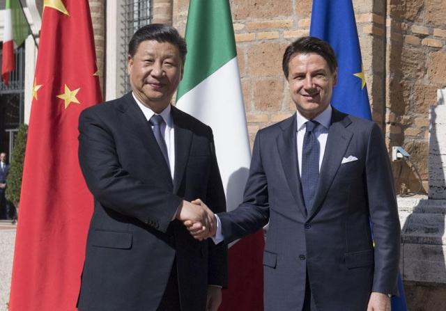 Си Цзиньпин во время визита в Италию