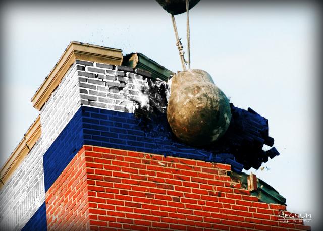Нужно отрабатывать: о реновации жилья в Москве и «другой России»