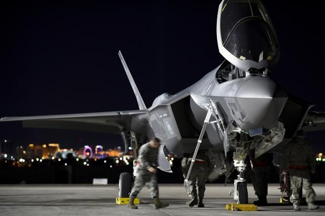 На военную базу США в ОАЭ прибыли первые истребители F-35A Lightning II
